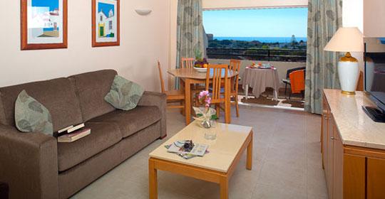 top clubs cocoon vau portim o co prod auchan algarve sejour portugal avec voyages auchan. Black Bedroom Furniture Sets. Home Design Ideas